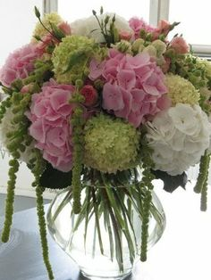 Floral Arrangement ~ Hydrangea, lisianthus, Roses and hanging Amaranthus Hydrangea Arrangements, Beautiful Flower Arrangements, Floral Centerpieces, Fresh Flowers, Beautiful Flowers, Exotic Flowers, Purple Flowers, Wedding Centerpieces, Deco Floral