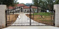 Driveway Swing Gates | ... an Automatic/Electric Driveway Gate by Lonestar Overhead Doors & Gates