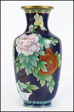 Lot:CHINESE CLOISONNE VASE., Lot Number:1263104, Starting Bid:$25, Auctioneer:Susanin's Auctions, Auction:CHINESE CLOISONNE VASE., Date:06:00 AM PT - Oct 19th, 2013