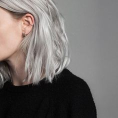 Image may contain: one or more people and closeup silver hair Hair Inspo, Hair Inspiration, Pinterest Hair, Dye My Hair, Grunge Hair, Hair Day, Hair Looks, Pretty Hairstyles, Short Hair Styles