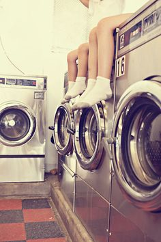 Retro Laundromat Shoot- this whole shoot is super cute