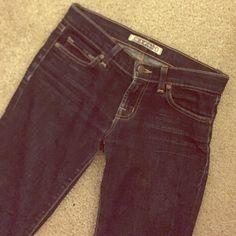 J Brand Dark Wash Skinny Jeans Skinny fit, size 25 with subtle contrast stitching J Brand Jeans Skinny
