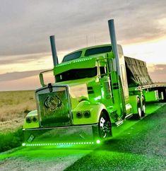 Big rig show truck Show Trucks, Big Rig Trucks, Lifted Trucks, Custom Big Rigs, Custom Trucks, Customised Trucks, Lowrider Trucks, Classic Chevy Trucks, Chevy Classic