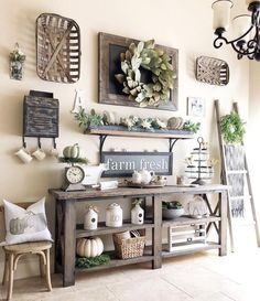 If you are looking for Farmhouse Living Room Decor Ideas, You come to the right place. Here are the Farmhouse Living Room Decor Ideas. Country Farmhouse Decor, Vintage Farmhouse, Farmhouse Style, Country Wall Decor, Country Kitchens, Rustic Wall Decor, Home And Deco, Entryway Decor, Rustic Entryway