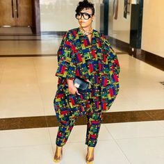 African Wear Dresses, African Fashion Ankara, African Attire, African Clothes, Traditional African Clothing, Classy Casual, Fashion Gallery, African Women, Fashion Pants