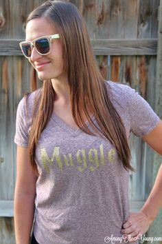 """Among the Young: Expressions Vinyl Harry Potter """"Muggle"""" Iron on. Harry Potter and I (a muggle) share a birthday! Come check out the shirt I made to celebrate! 80s Fashion, Fashion 2020, Modest Fashion, Sneakers Fashion, Korean Fashion, Fashion Outfits, Fashion Trends, Petite Fashion Tips, Fashion Tips For Women"""