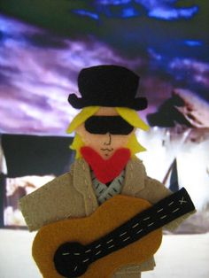 tom petty finger puppet what the fetch?! I live for t. pets. need one !