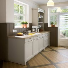 Med innfelt granittplate i modellen Bolero, får du en praktisk arbeidssone for ordentlig kjøkkenarbeid! Küchen Design, House Design, Cuisines Design, Kitchen Cabinets, Catalogue, Home Decor, Parfait, Console, Environment
