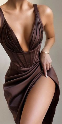 Cute Dress Outfits, Cute Dresses, Ball Dresses, Satin Mini Dress, Fancy Dress, Look Chic, Poses, Beautiful Gowns, Dream Dress