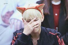 "•161031 #BTS Fansign ""Omokgyo""    #BloodSweatTears   #V #KimTaehyung"