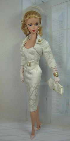 Colombe for Silkstone Barbie and Victoire Roux