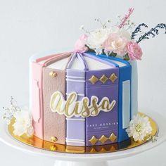 Twin Birthday Cakes, Birthday Cake For Him, Elegant Birthday Cakes, Birthday Cake Toppers, Cake Decorating Books, Creative Cake Decorating, Cupcakes, Cupcake Cakes, Architecture Cake