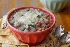 Chicken and Cauliflower White Bean Chili ~ http://thetravelbite.com