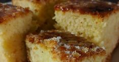 Es más que un bizcocho, es una delicia. Hay muchas variantes de la misma receta: solo con claras (bica blanca), con mantequilla en vez de...