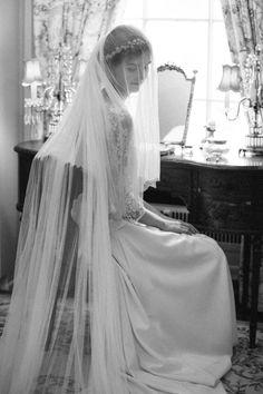 El encanto de una novia velada - La Champanera