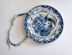 Necklace made from  Delft Blue by Gesine Hackenberg