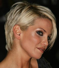 Short blonde hair. Sarah Harding Love this do, but, could never pull it off though...