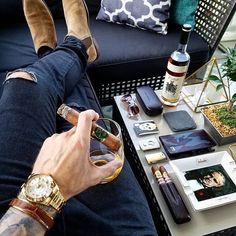 Find the best and most luxury goods inspiration for your nex Luxury Lifestyle Fashion, Rich Lifestyle, Zigarren Lounges, Cigars And Whiskey, Cuban Cigars, Scotch Whiskey, Bourbon Whiskey, Billionaire Lifestyle, Gentleman Style