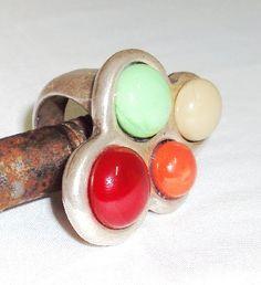 """Anillo Zamac con piezas de vidrio de Murano, colores """"A la Carta"""". Especificar talla (descargar aquí > http://www.equiliqua.es/catalogo/cat1.php )"""