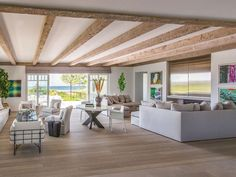 Hutker Architects collaborated with decorator Richard Hallberg and C. H. Newton Builders to create a Cape Cod getaway