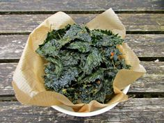Today I am sharing my latest favourite way of eating nettles in this simple, delicious rand incredibly healthy recipe for Stinging Nettle Crisps! Yummy Healthy Snacks, Healthy Herbs, Healthy Recipes, Veggie Recipes, Rosehip Syrup, Nettle Recipes, Clean Eating Snacks, Healthy Eating, Lemon Biscuits