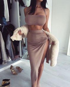Bodycon plus this body tho!     //Pinned on @benitathediva, DIY Fashion LifeSTYLE Blog