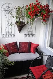 Beautiful balcony - deco ideas for inspiration! Condo Balcony, Small Balcony Decor, Porch And Balcony, Small Outdoor Spaces, Balcony Plants, Small Patio, Balcony Garden, Outdoor Rooms, Outdoor Furniture Sets