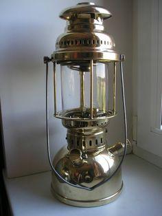 Old Kerosene Lanterns Old Lanterns, Antique Lanterns, Antique Oil Lamps, Antique Hurricane Lamps, Coleman Lantern, Vintage Stoves, Kerosene Lamp, Cool House Designs, Vintage Branding