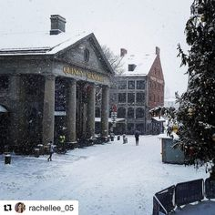 A big thank you to @rachellee_05 for taking this amazing photo of #faneuilhall. #snow #boston #MarketDistrict #Boston
