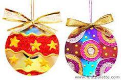 como hacer esferas navideñas de material reciclado - Buscar con Google                                                                                                                                                                                 Más