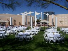 The Hilton Phoenix/Mesa holds over 250 guest rooms and over 20 different versatile event spaces.