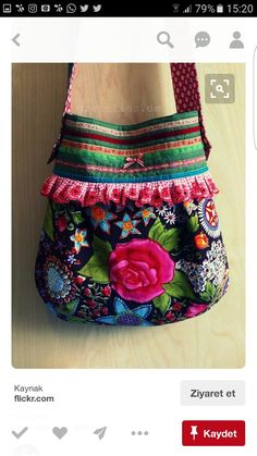 Cute bag and pattern. However, lots of pics of cute bags. Bag Quilt, Diy Sac, Handmade Purses, Boho Bags, Craft Bags, Fabric Bags, Fabric Ribbon, Purse Patterns, Quilted Bag
