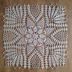 Dear Ladies, Here Comes The Irish Crochet Lace ! - All Knitting Videos - Louisa Crochet Square Patterns, Crochet Motifs, Doily Patterns, Crochet Dollies, Crochet Lace, Crochet Summer, Lace Wedding Centerpieces, Crochet Tablecloth, Knitting Videos
