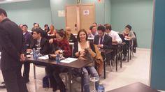 Los asistentes a la jornada sobre Potenciacion en #RedesSociales organizada por #Bizkaired e impartida por #ElZapadorDigital van tomando posiciones. — en Hotel Gran Bilbao.