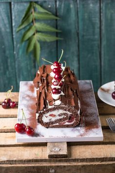 Fekete-erdő tekercs | Street Kitchen Cookie Recipes, Dessert Recipes, Waffle Cake, Floral Wedding Cakes, Catering Food, Bakery Cakes, Fall Treats, Cafe Food, Black Forest