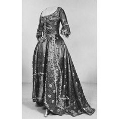 Robe and petticoat | V&A Search the Collections