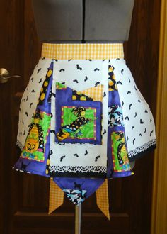 Vintage Style Halloween Apron Can be worn by by SewTerriVintage, $25.00