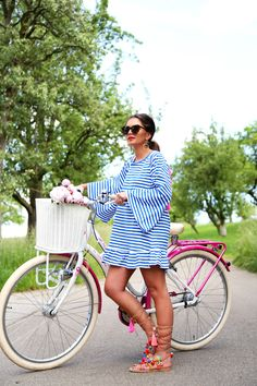 on a bike tour with my tassel dress and pom pom sandals (FashionHippieLoves) Cochella Outfits, Hippie Man, Hippie Chic, Spring Summer Fashion, Spring Outfits, Pom Pom Sandals, Sandals Outfit, Adidas Outfit, Karen Walker