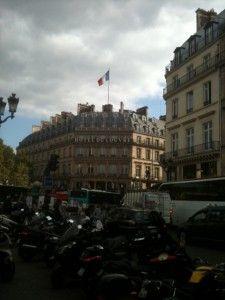 paris_Hotel de Louvre