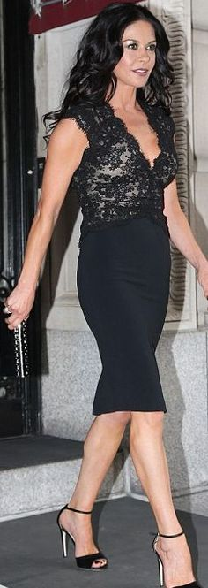 Who made  Catherine Zeta Jones' black scallop lace dress and clutch handbag that she wore in New York?