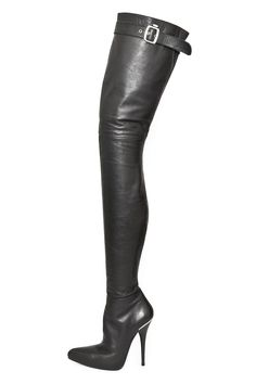Lovely boot n° 316. powerful heel and very long bootleg. #boots #highheels