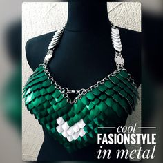 Small Poison Ivy 'Eagle'  Dragons Chain® von DragonsChain auf Etsy