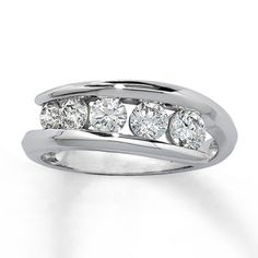 30th bday....14K White Gold 1 Carat t.w. Journey Diamond Ring