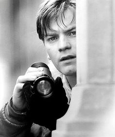 actors, beautiful, black and white, ewan mcgregor