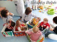 Sala dos bebés Preschool Classroom Jobs, Kindergarten Activities, Infant Activities, Activities For Kids, Infant Room Daycare, Kids Daycare, Sensory Bags, Baby Sensory, Baby Programs
