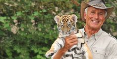 """""""Jack Hanna into the Wild Live"""" Plus Safari Hat and Binoculars at State Theatre on February 16 (Up to Value) Chattanooga Zoo, The Mccoys, African Leopard, Columbus Zoo, Sloth Bear, Safari Hat, Disney On Ice, River Otter, Paws And Claws"""
