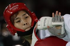 Kim Sohui os South Korea competes with Panipak Wongpattanakit of Thailand in the women's Taekwondo 49-kg quarterfinal at the 2016 Summer Olympics in Rio de Janeiro, Brazil, Wednesday, Aug. 17, 2016. (AP Photo/Andrew Medichini) (3800×2520)