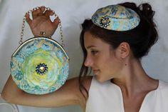 """Domani #8dicembre, alle ore 18.00, presso il Museo della Ceramica d'Abruzzo, in occasione dell'evento """"La ceramica è di moda"""" saranno esposte alcune mie creazioni ispirate alle antiche ceramiche d'Abruzzo! Invito tutti a partecipare a questo evento eccezionale legato alla moda e all'arte.  #stybel #sfilate #ceramica #lifestyle #handmade #cappelli #arte #cap #cappello #bag #bags"""
