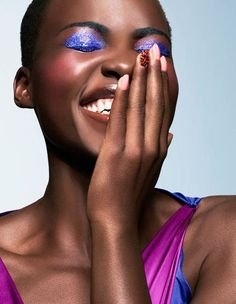 Lupita Nyong'o will have you wanting to try a bright colored eyeshadow on your next night out. // #CelebrityBeauty #Makeup #Eyes