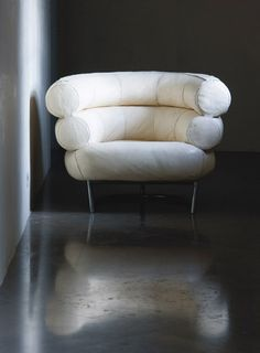 I am DEFINITELY having one of these in my house one day. Damn that woman // chair by Eileen Gray